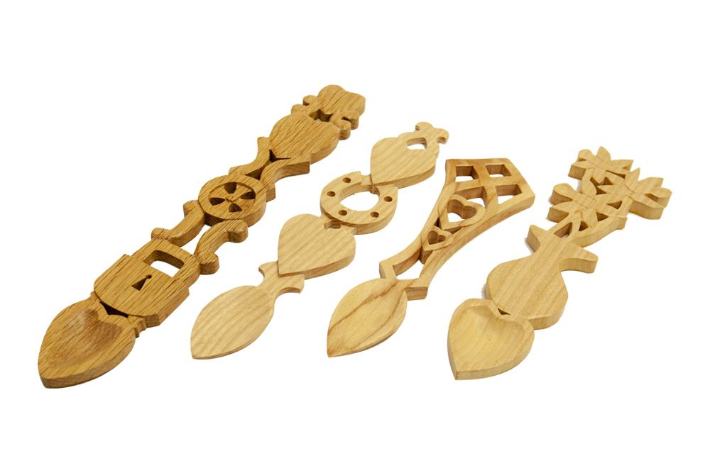 ISCA woodcraft lovespoons